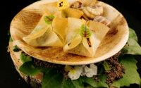 Aumonière de petits gris - coulis de persil à l'ail doux
